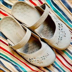 {VIONIC} Mary Jane Midway Mule Clogs